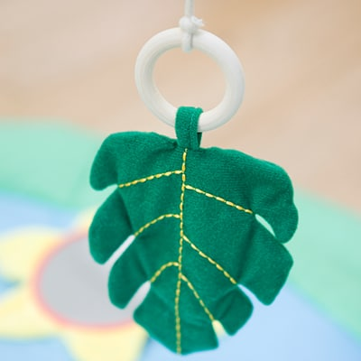 little-big-friends-activity-wooden-arch-jungle-friends-pjm-distribution-canada-crinkle-fabric-toy